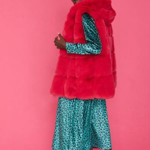 Faux fur hooded gilet/Hot pink